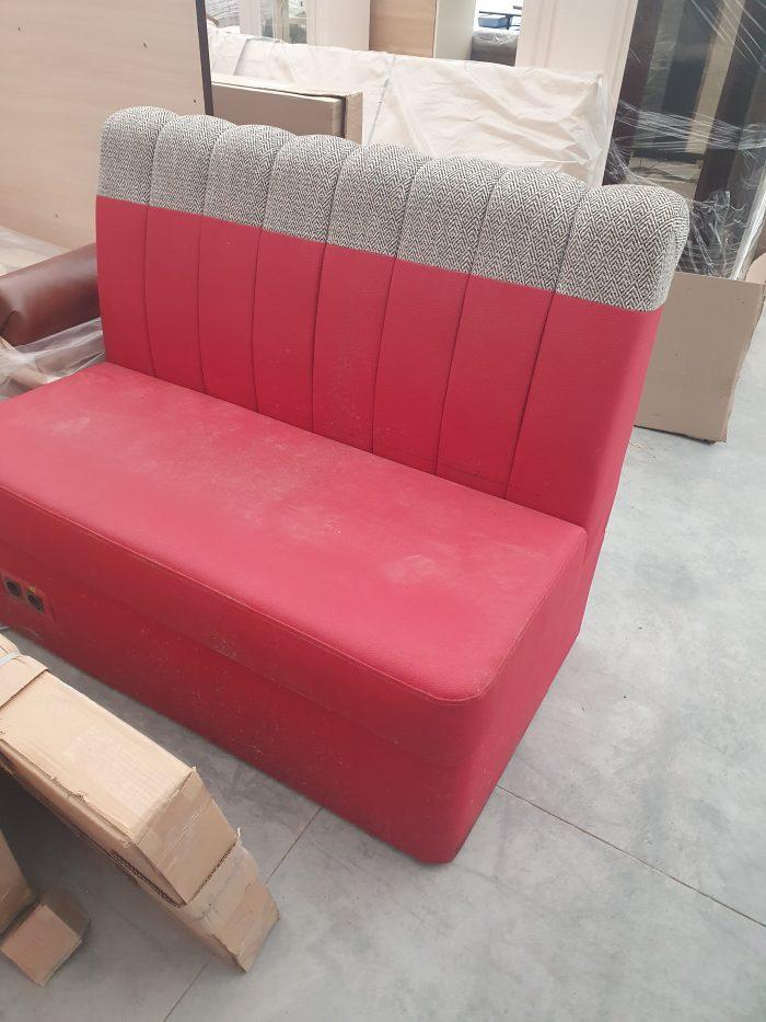 Красный диван эко кожа, двухместный.