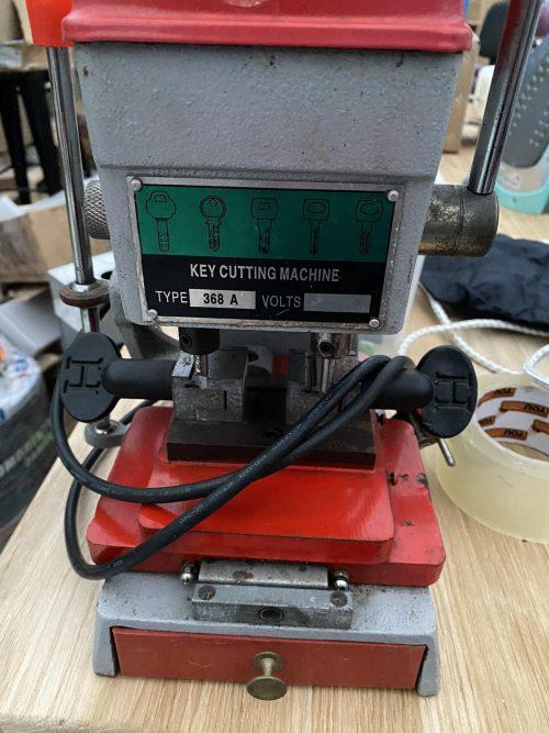 станок для изготовления дубликатов ключей